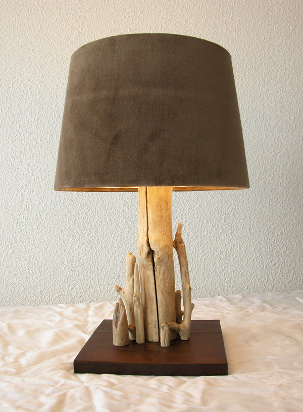 Caract re naturel lampe en bois flott - Lampe de chevet bois ...